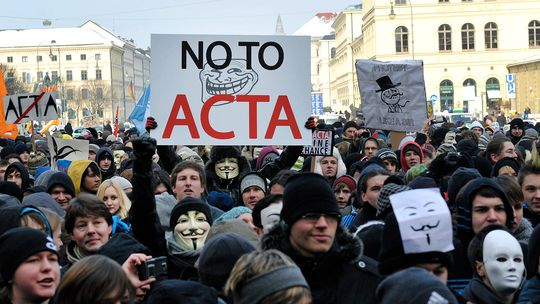 acta-protest
