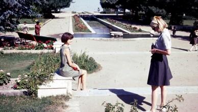 Jovem fotógrafo no Paghman Gardens