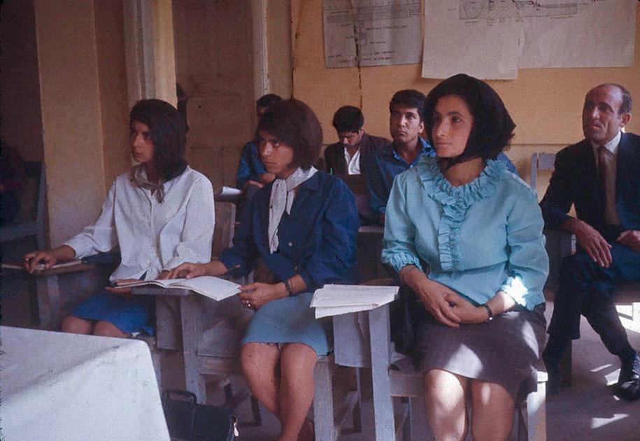 Estudantes no Teachers College Of Superior Cabul